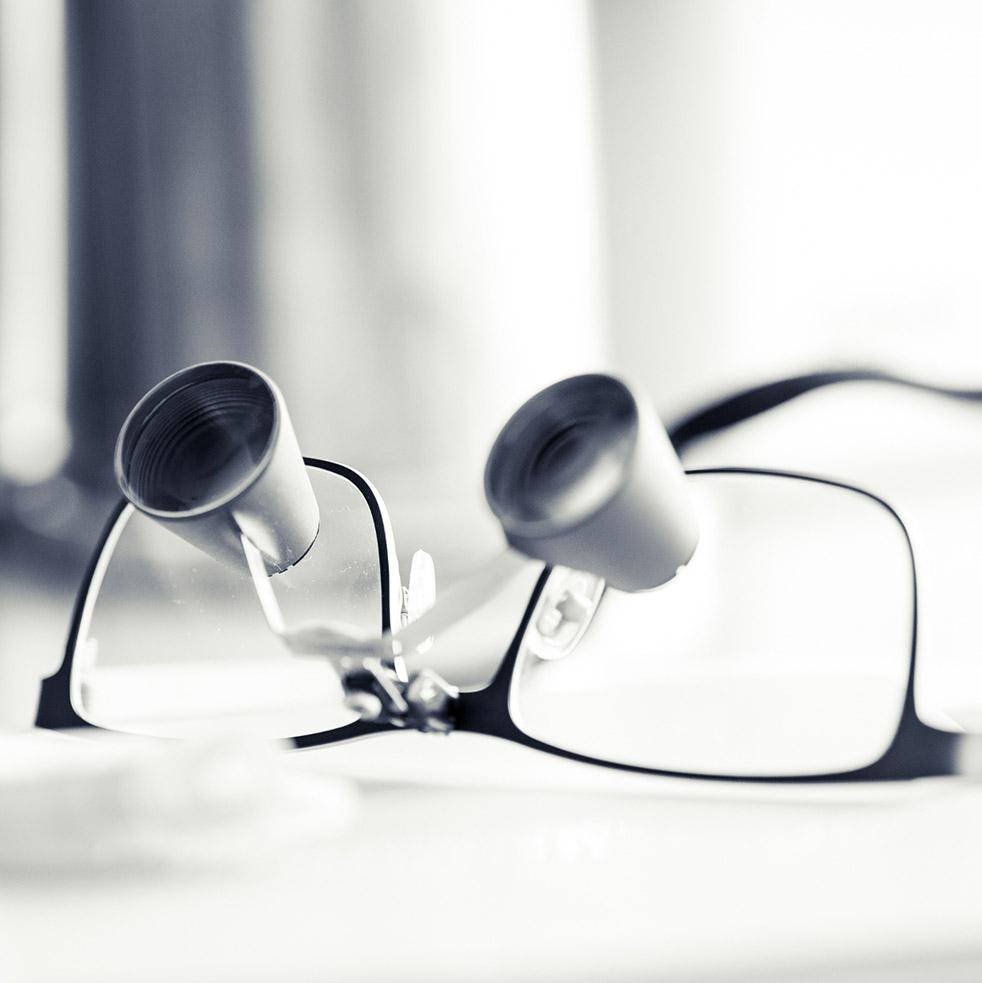 Lupenbrille zur Diagnose von Parodontologie